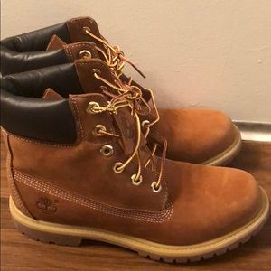 Classic Timberland Boots Women's in Chestnut